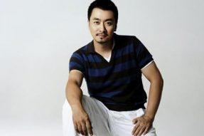 【素食名人】 做一个觉醒的吃货!演员黄俊鹏一改严肃局长风格,以身作则告诉你素食的诸多好处。