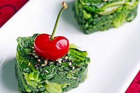 【素食菜谱】家常素食菜谱之红樱绿菠