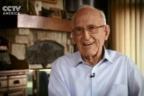 102岁退休的心脏外科医生,50年素食,吸引了央视CCTV北美分台采访