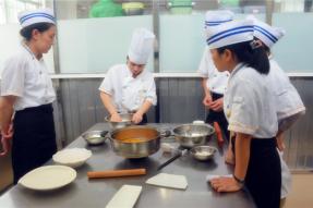 学习一个月,赶上轻素潮流,时尚又健康!9月16日,素食学校素菜烹饪轻素食与面点班报名开启!