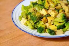 【健康养生素食菜谱】热拌西兰