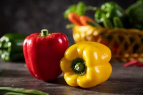 【素食养生】辣椒和彩椒各有千秋|素食食材