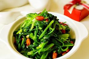 【素食菜谱】果仁菠菜