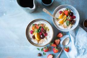 【素食新闻】Neurology:吃富含坚果,蔬菜,大豆的素食有助于降低中风风险