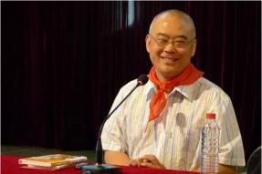 【素食名人】他是首富作家,与儿子一起吃素,传承祖孙三代的爱,影响中国教育