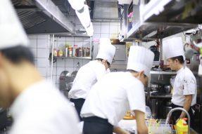 """【素食厨师】疫情下大量厨师面临""""被失业"""",如何提高岗位竞争优势?"""