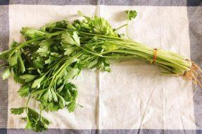 【素食养生】不花钱的降糖菜,可惜很多人都扔了!这样做快手菜,控糖又好吃!