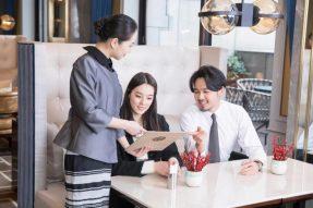 """【素食营销】如何让你的餐厅服务员像海底捞员工一样有""""眼力劲儿""""?这有2个技巧!"""