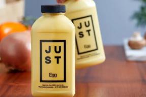 【素食新闻】加拿大星巴克所有门店都推出了燕麦牛奶,植物基行业向传统食品行业发起猛烈进攻!