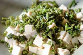 【素食菜谱】香椿拌豆腐